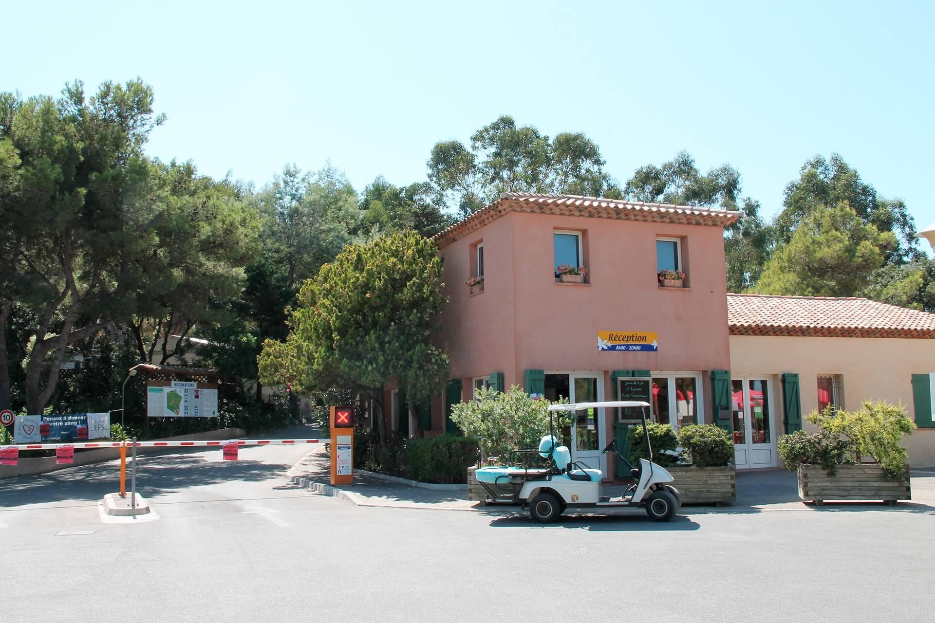 Camping La Presqu Ile De Giens À Hyères Sur La Côte D'Azur ... à Camping Presqu Ile De Giens Avec Piscine