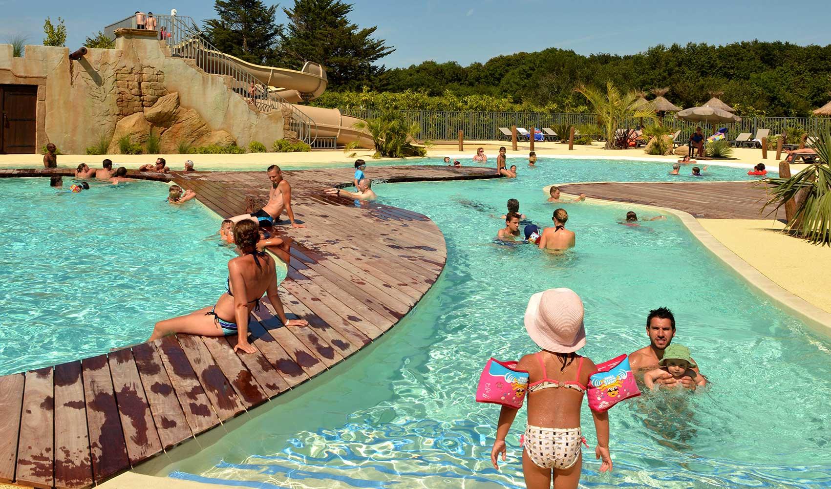 Camping Pays Basque Avec Parc Aquatique À Hendaye | Camping ... dedans Camping Hendaye Avec Piscine