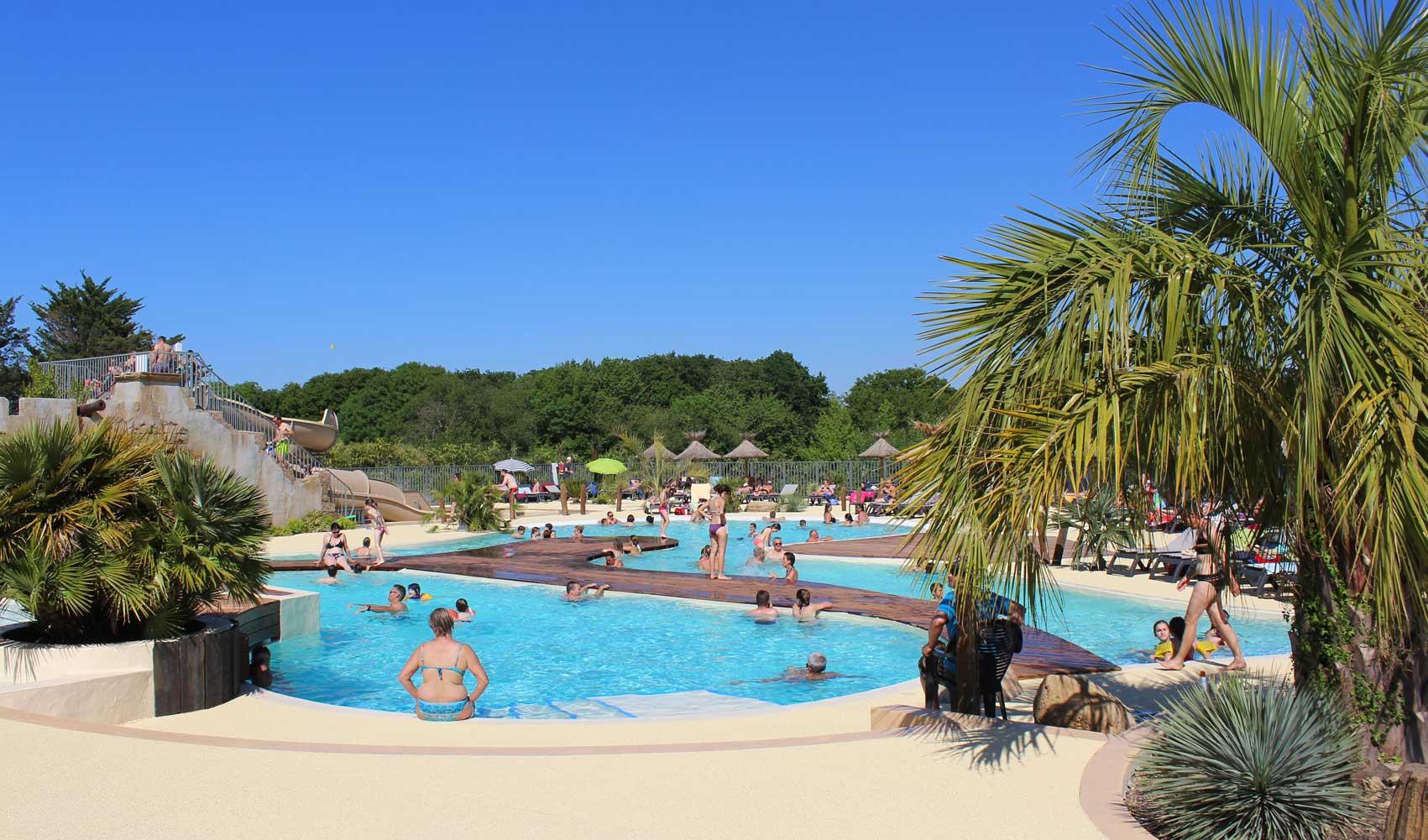 Camping Pays Basque Avec Parc Aquatique À Hendaye | Camping ... destiné Camping Hendaye Avec Piscine