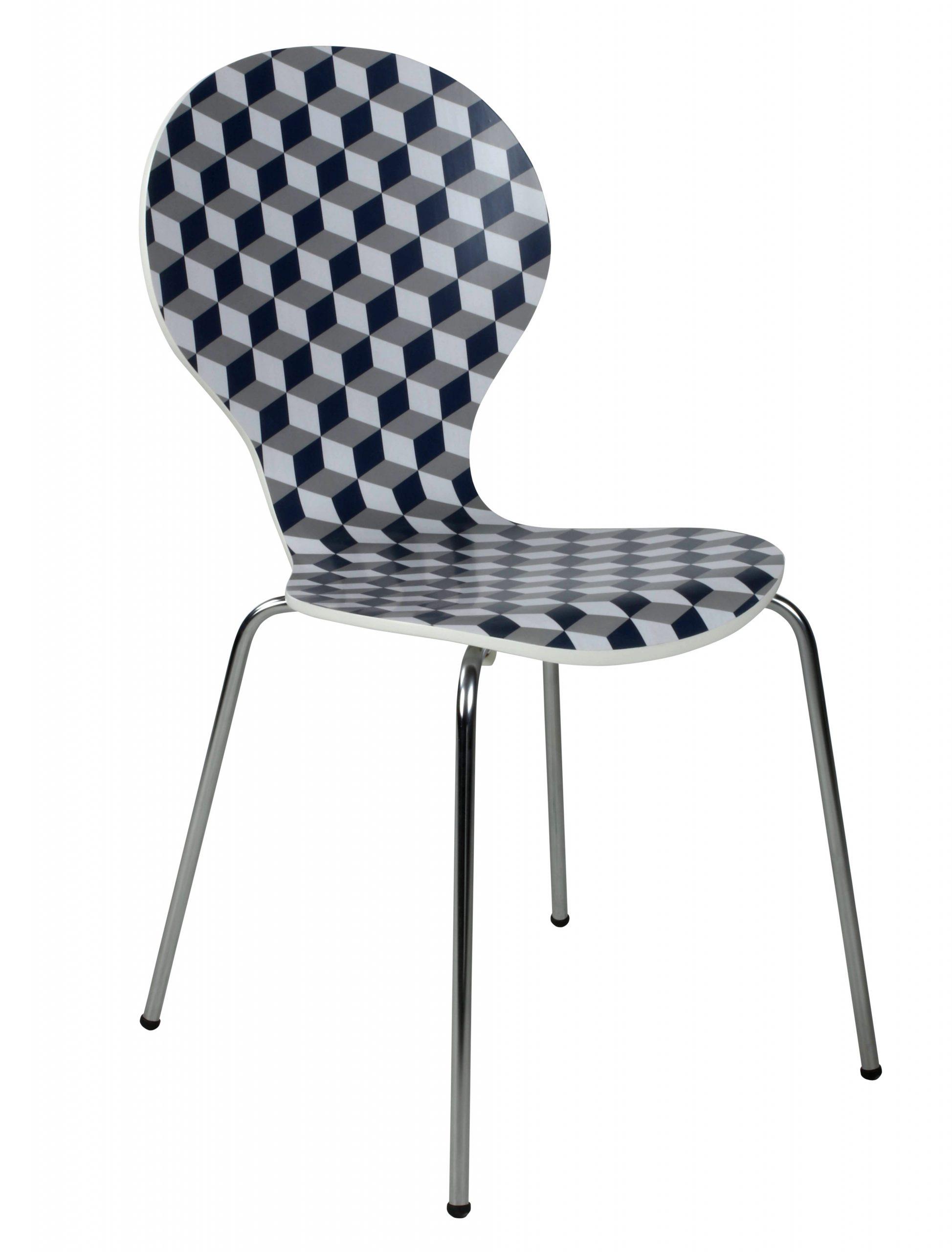 Dans Un Style Rétro Et Pop, La Chaise Spoon Graphique Est ... serapportantà But Chaise Bistrot