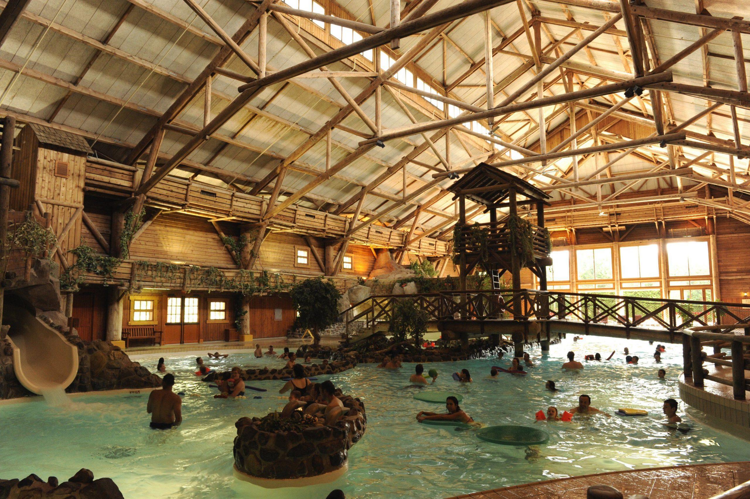 Disney Hotels, Davy Crockett Ranch - Indoor Pool, Disneyland ... encequiconcerne Piscine Davy Crockett