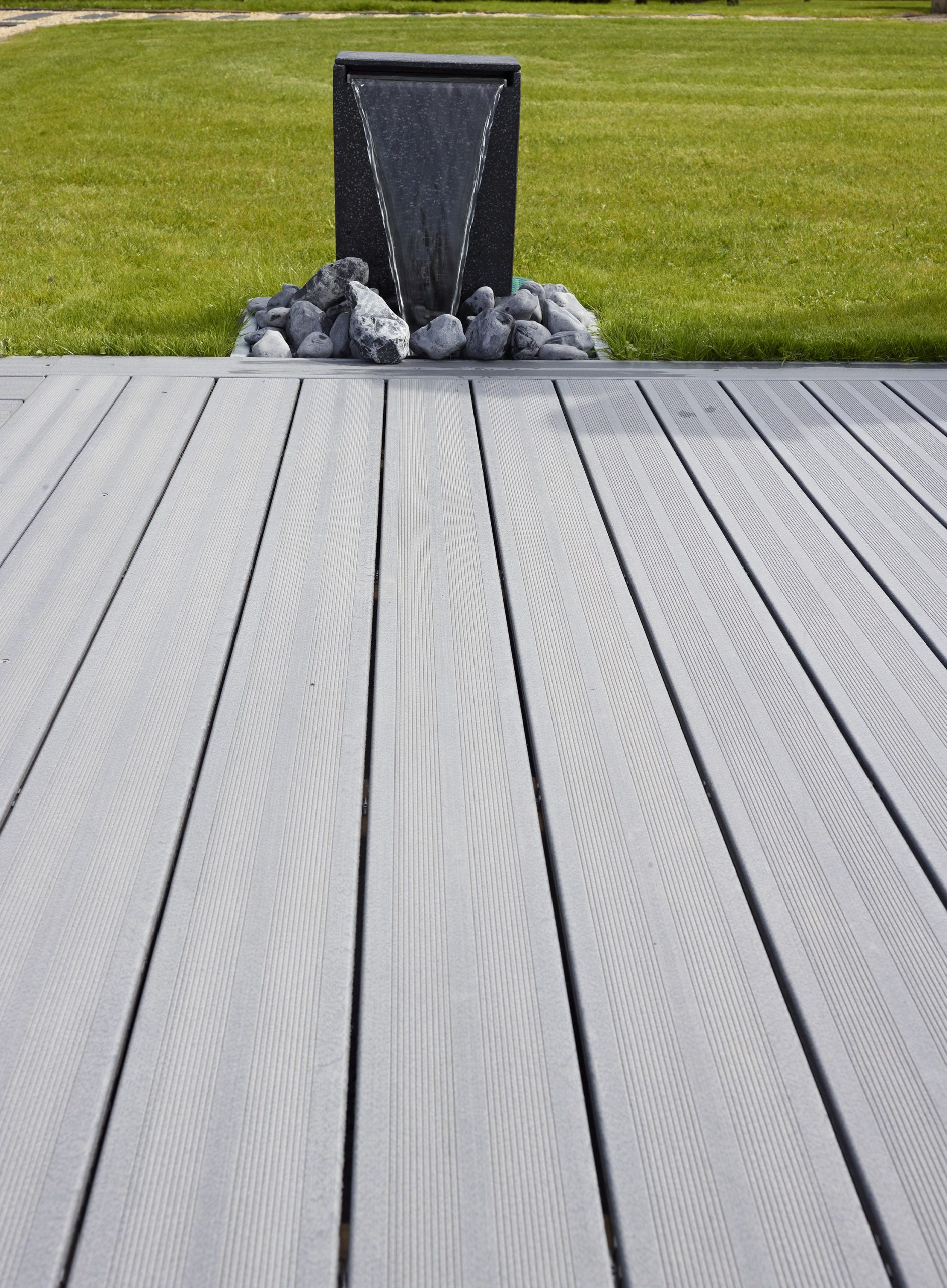 Lame De Terrasse Composite Saturateur Gris #Lame #Terrasse ... à Lame Terrasse Composite Grafik 2 Gris