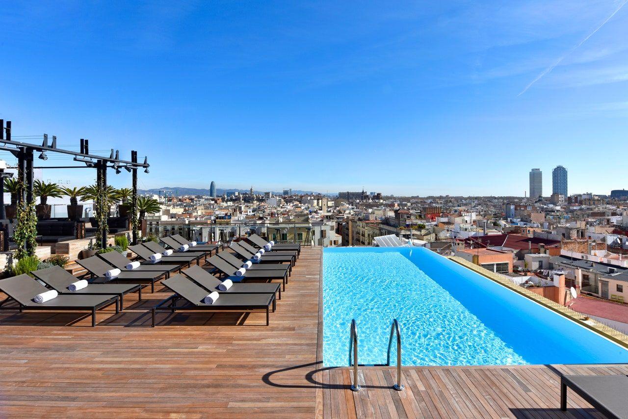 Les 5 Plus Beaux Hôtels Avec Rooftops À Barcelone En 2020 ... avec Hotel Avec Piscine Barcelone