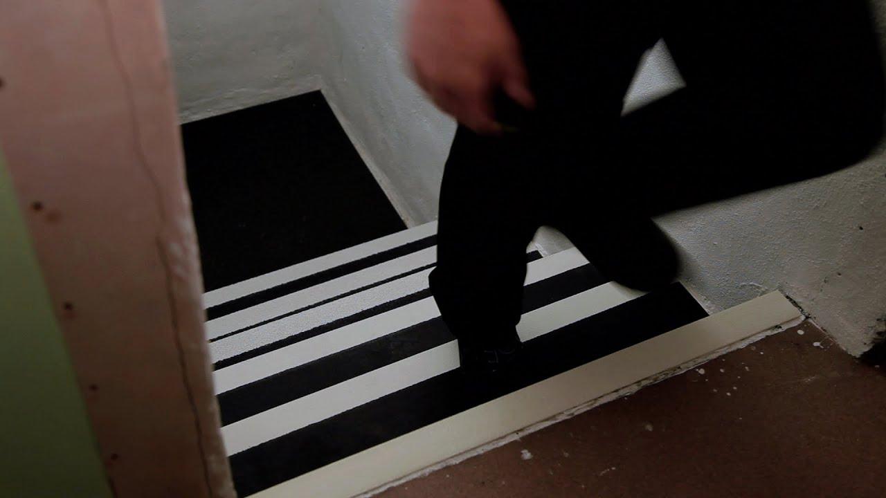 Nez De Marche | Comment Sécuriser Un Escalier | Antidérapant Pour Escalier encequiconcerne Nez De Marche Carrelage Castorama