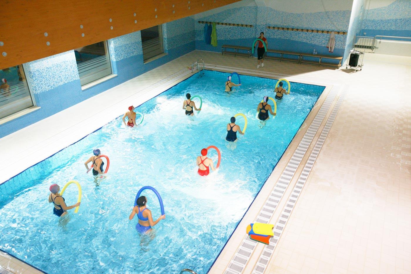 Piscina – Empire Sport Center à Calorie Piscine