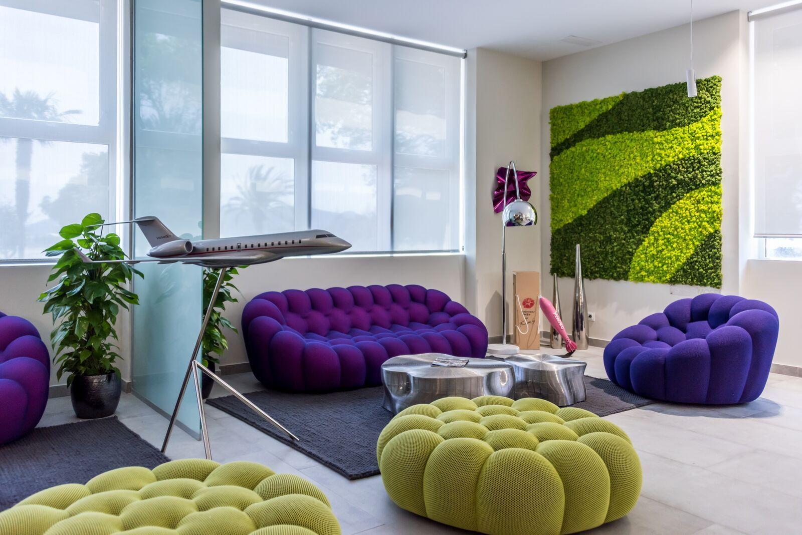 Roche Bobois' Bubble Sofa Can Be Found In Ibiza'S Private ... pour Pouf Roche Bobois Bubble