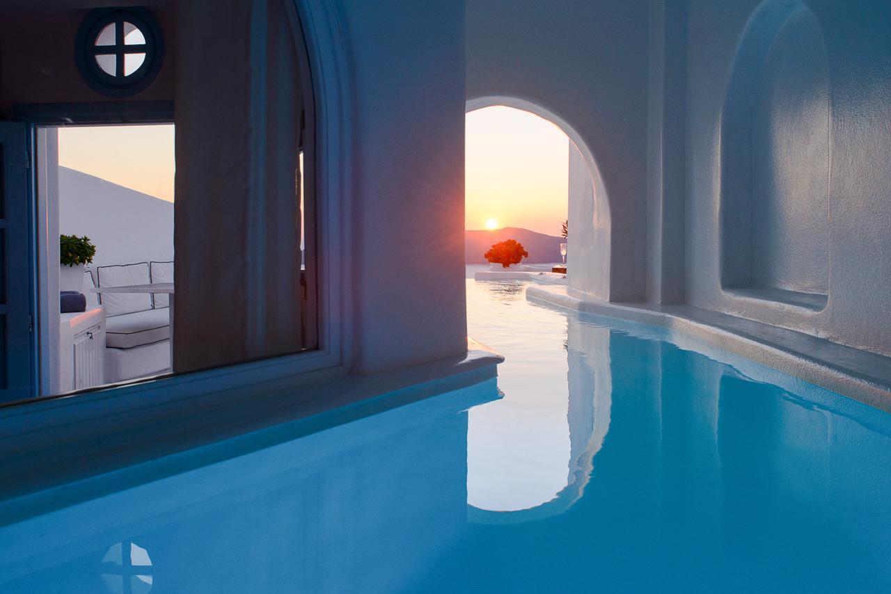 Santorini : Un Coin De Paradis Pour Une Lune De Miel Réussie ... concernant Hotel Santorin Avec Piscine Privée