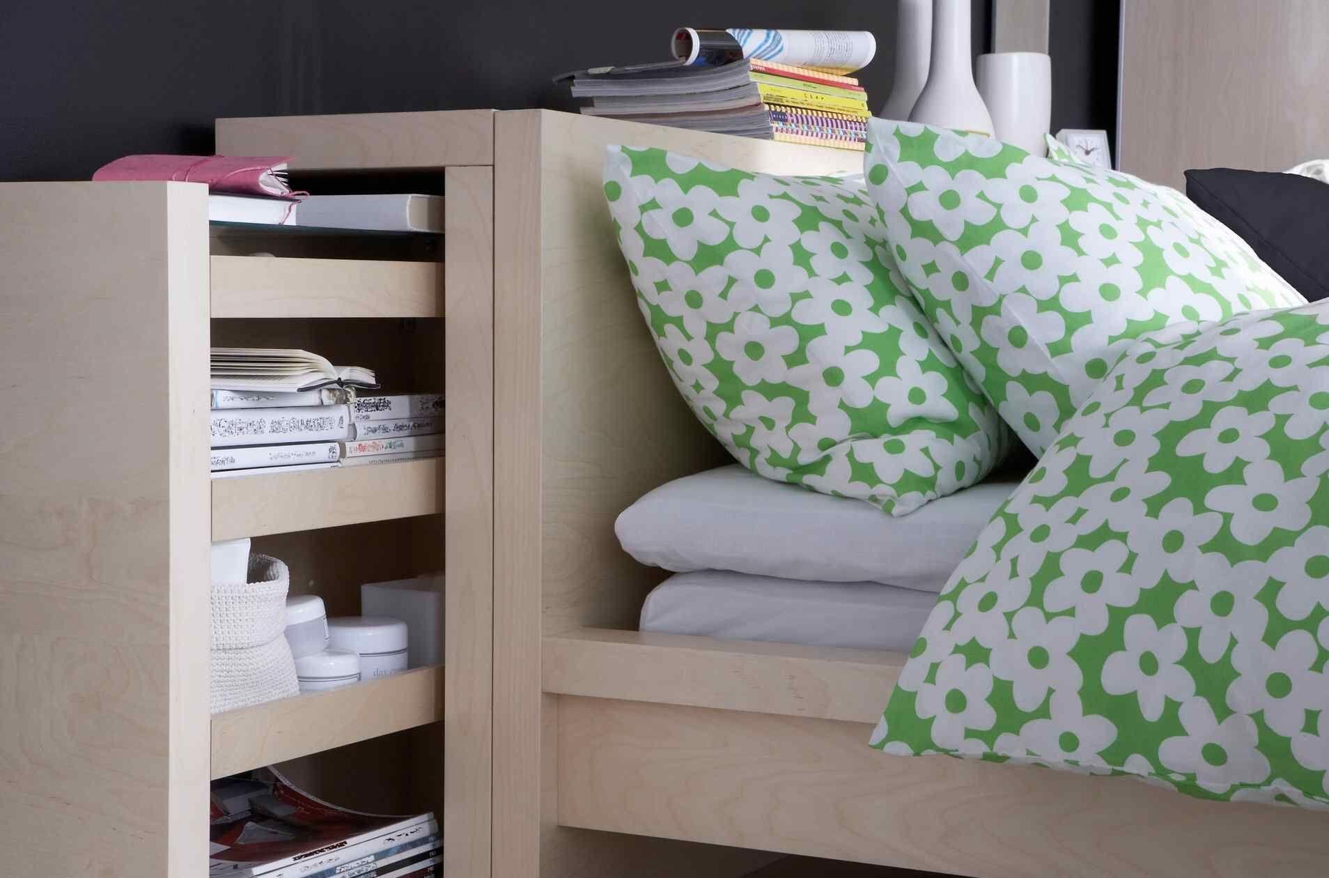 Tête De Lit Avec Rangement Intégré Par Ikea, Tiroir ... à Coussins Tête De Lit Ikea