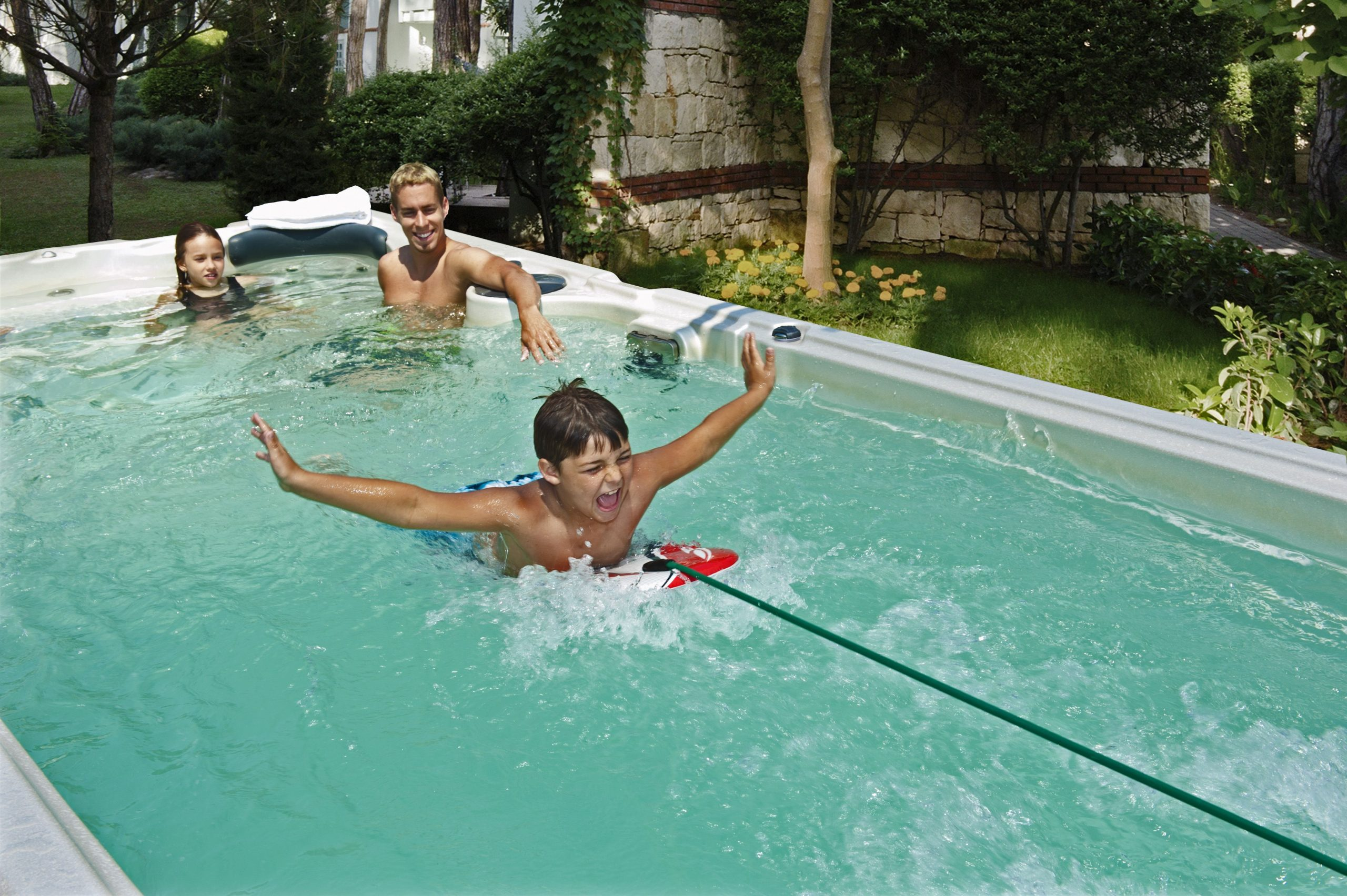 The Swimming Current That'S Produced By A Hydropool ... serapportantà Piscine O'Bya