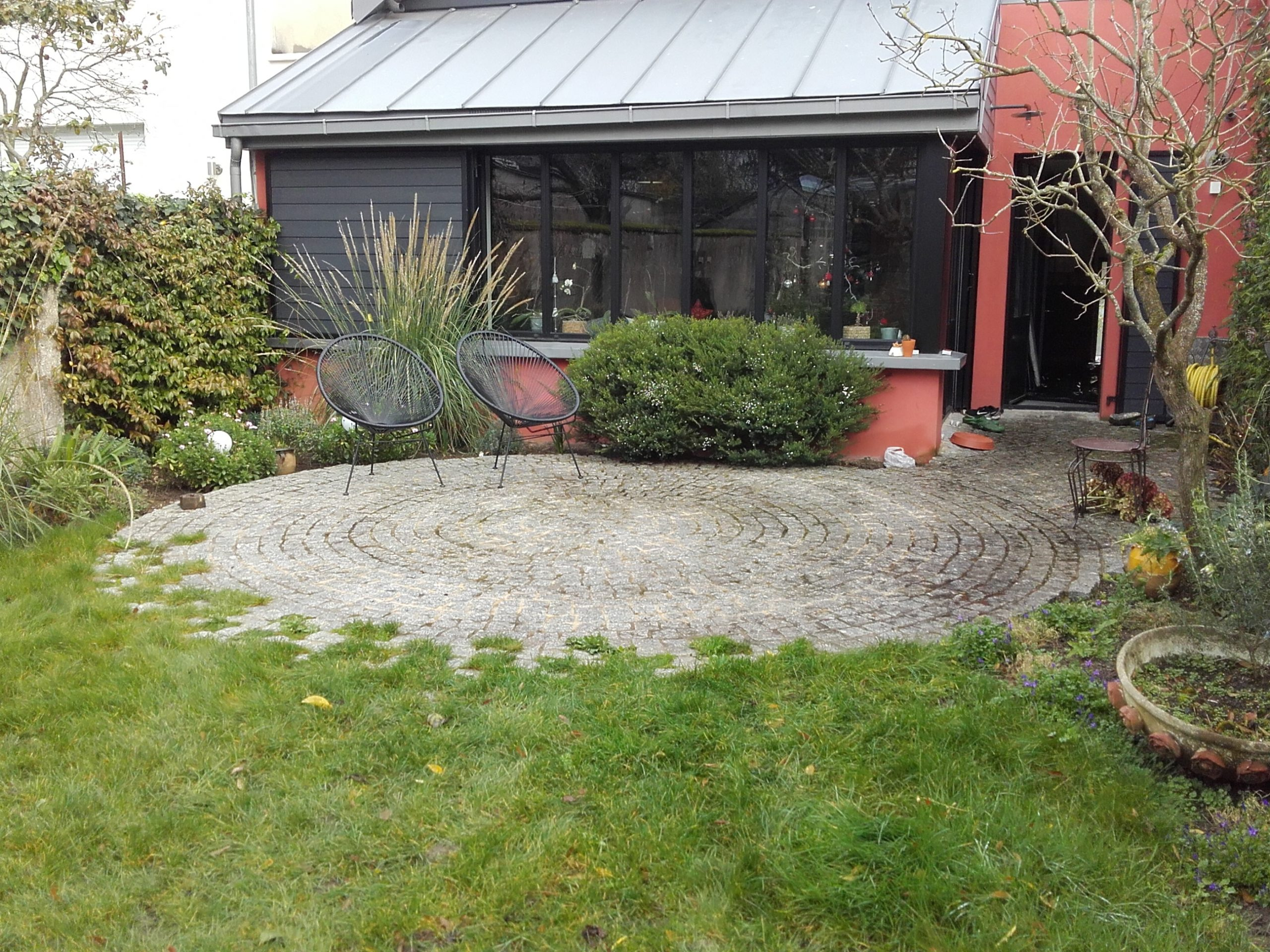 Aménagement De Terrasses Angers Maine Et Loire 49 - Chevalier serapportantà Salon De Jardin Encastrable Mode De Vie Michigan 9 Pièces