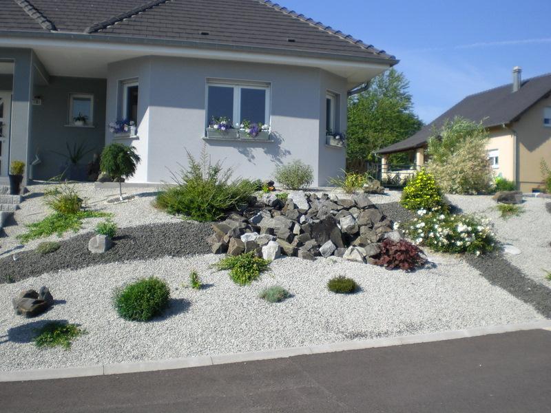 Amenagement Jardin Cailloux Blancs - Le Spécialiste De La ... avec Décoration Parterre Extérieur