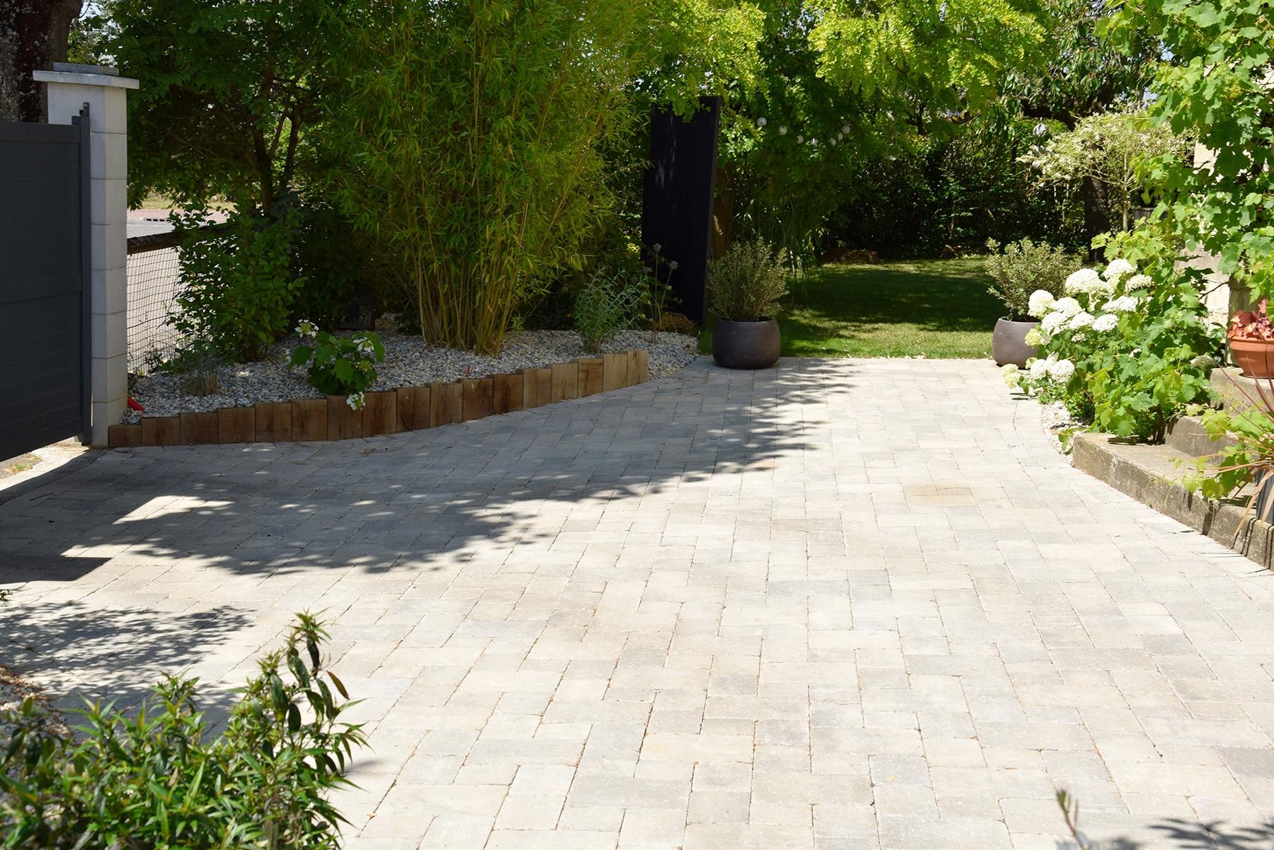 Amenagement Paysager Garage - Boiteachansons serapportantà Deliège Florent - Parcs Et Jardins - Amenagement Exterieur