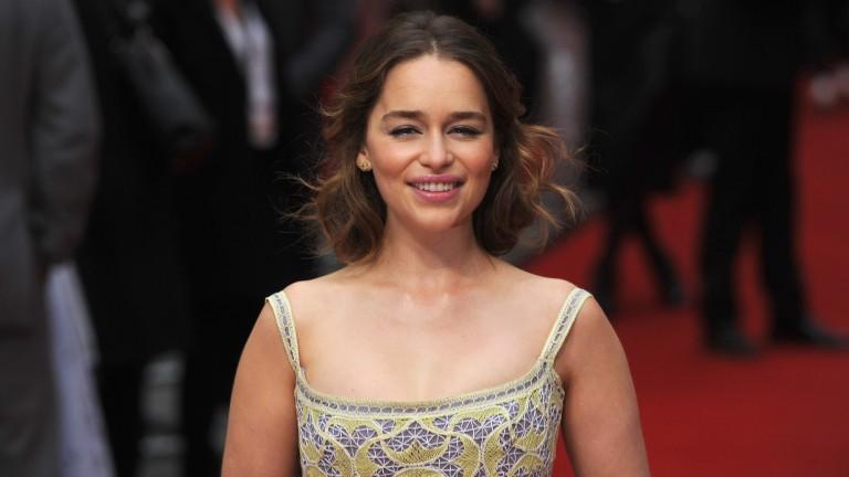 Blutungen Im Kopf: Emilia Clarke Überlebte Zwei Gehirn-Ops ... destiné Bz Emilia But