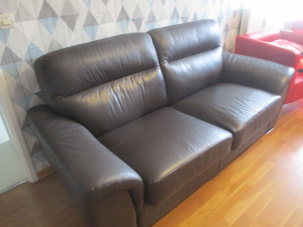 Canape En Cuir Caroline Du Nord - Wood Chair encequiconcerne Canape Lucques But