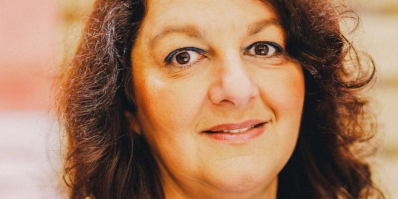 Candidate Socialiste Aux Législatives À Toulon, Viviane ... serapportantà Viviane Driquez