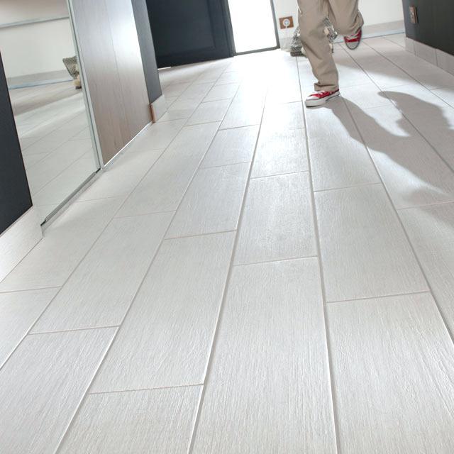Castorama Carrelage Sol Blanc Brillant - Idée De Maison Et ... tout Parquet Salle De Bain Castorama