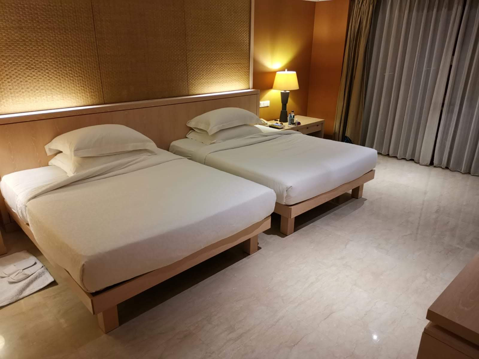 Conrad Hotel Bali Review - A Tropical Paradise? - Turning ... destiné Canapé Conrad
