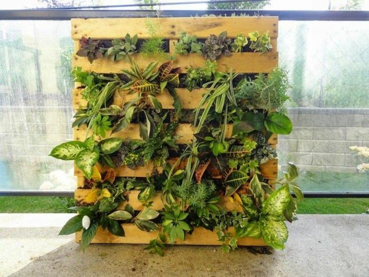 Jardinière En Palette De Bois : 74 Modèles À Faire Soi-Même serapportantà Potager Suspendu En Palette