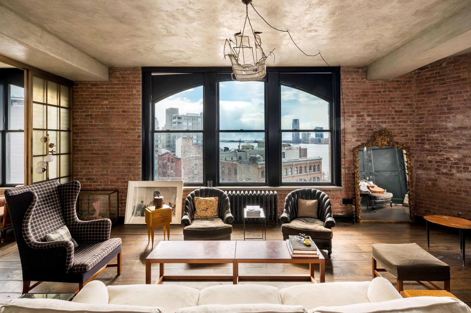 Kirsten Dunst Loue Son Loft À Soho | Vanity Fair pour Decoration Brique Rouge Style Loft New Yorkais