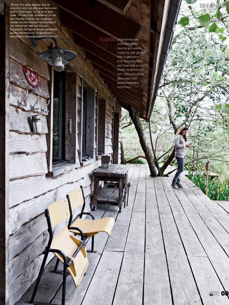 La Cabane : Une Maison De Vacances En Bois Brut | Building ... intérieur Maisonnette Bois Camille