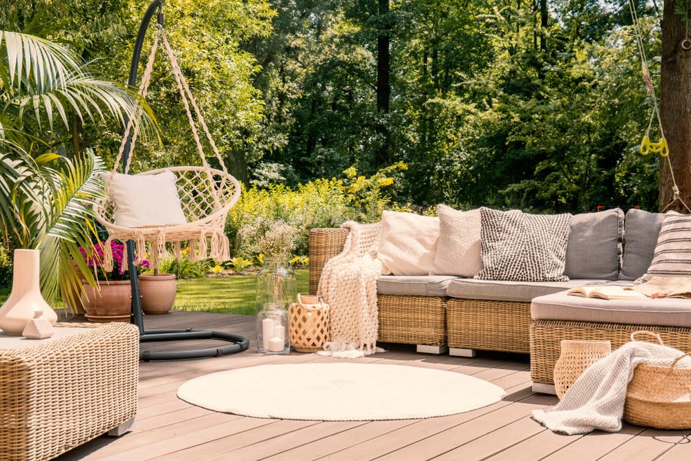 Le Salon De Jardin, Un Élément Indispensable Pour Créer Un ... serapportantà Confection De Jardin Contemporain Et Convivial