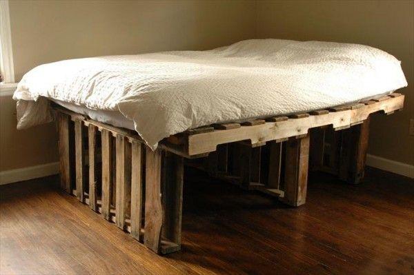 Lit En Palette : +50 Idées Pour Fabriquer Un Lit En ... encequiconcerne Fabriquer Un Canapé Avec Un Matelas