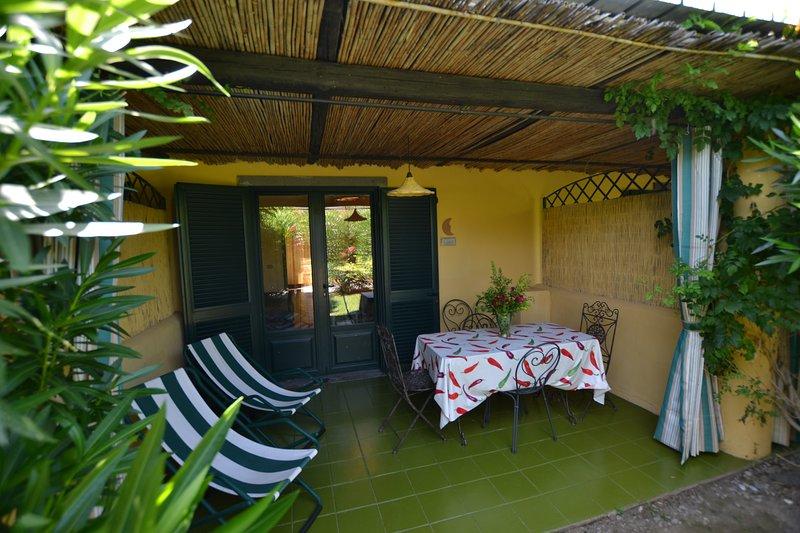 Luna-Princely Cottages Has Balcony And Shared Outdoor Pool ... destiné Pergola Luna Jardiland