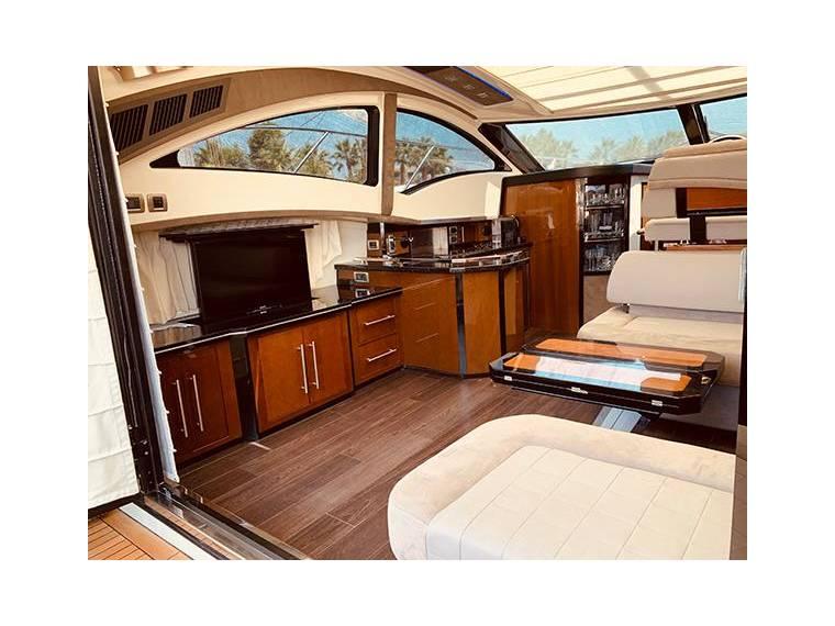 Marquis 420 Sport Coupe En Attiki | Yacht À Moteur D ... intérieur Marquise D'Occasion
