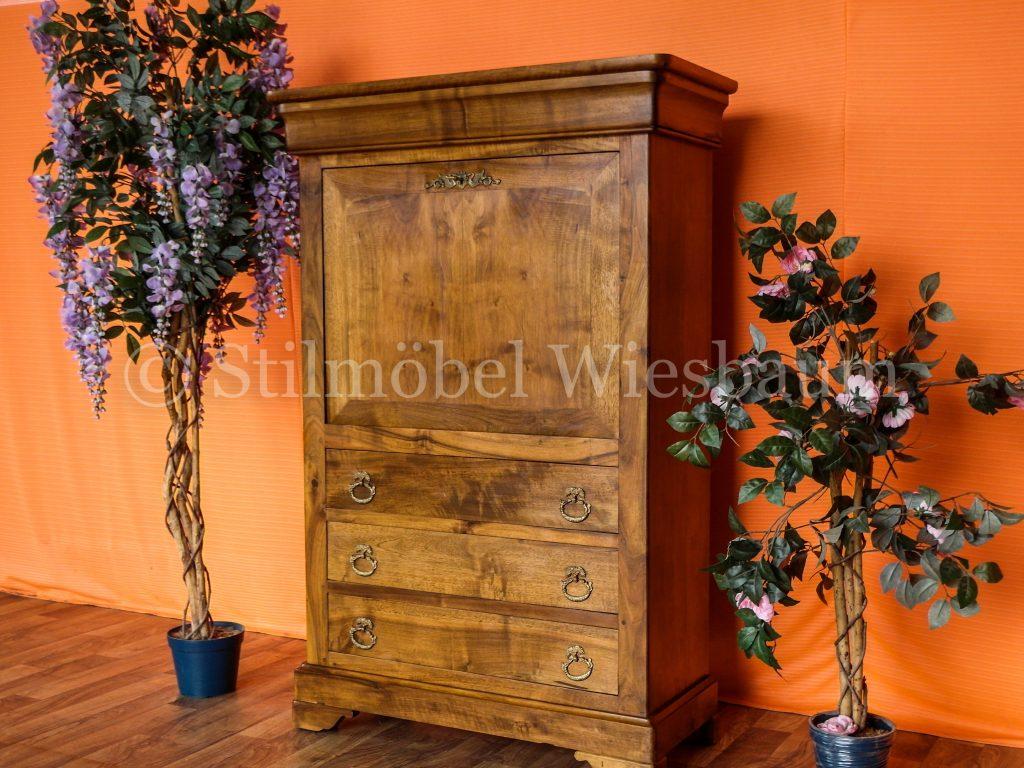 Nr. 1191D Anrichte Aus Nussbaum - Stilmöbel Wiesbaum dedans Roche Bobois Reims