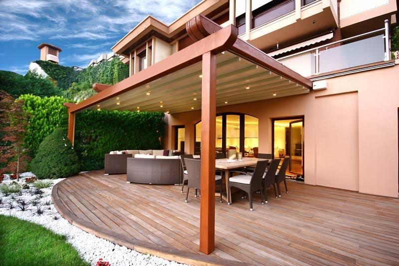 Pergola Bois Moderne En 28 Modèles Adossés Ou Autoportés tout Plan Pergola Bois Couverte