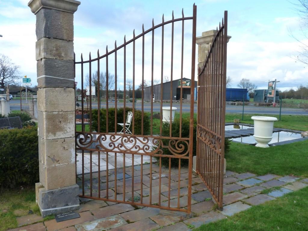 Portail Fer Forgé Ancien - Création Sur-Mesure | Bca ... concernant Portail Bois Occasion