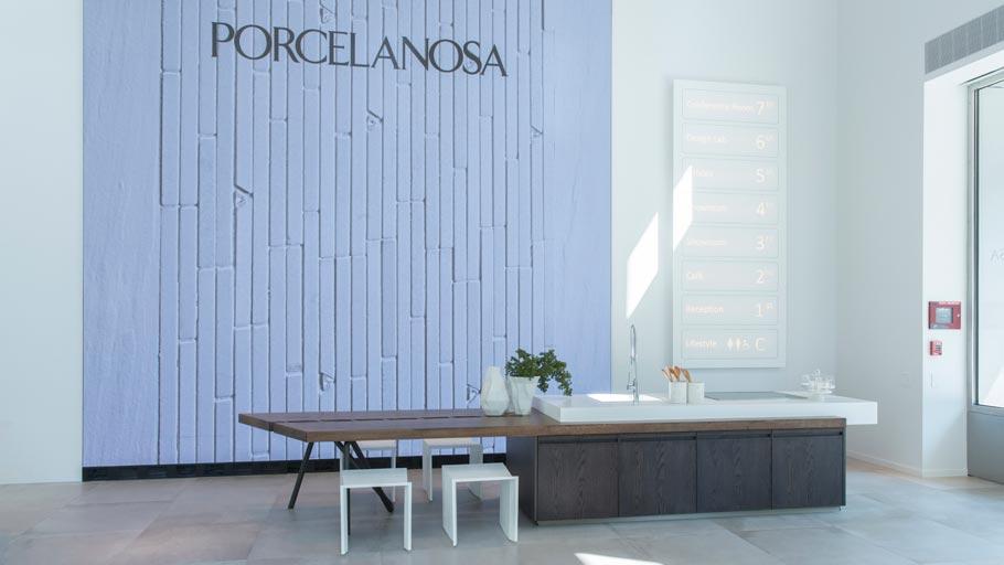 Une Application De Visite Virtuelle Pour Le Showroom ... concernant Carrelage Espagnol Porcelanosa