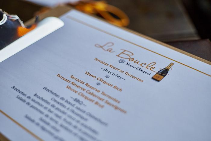 Veuve & La Boucle / Day Jobs / Nightlife concernant Grand Canapé Blair