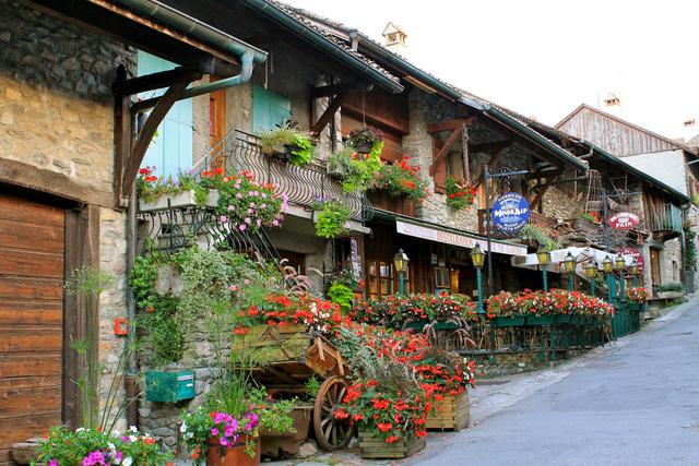 Yvoire (Haute-Savoie) (Tour De France Des Villes Et ... avec Piscine Container Haut De France